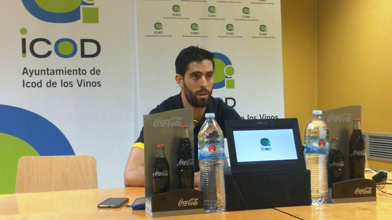 Javier Beirán en la sala de prensa del Santiago Martín