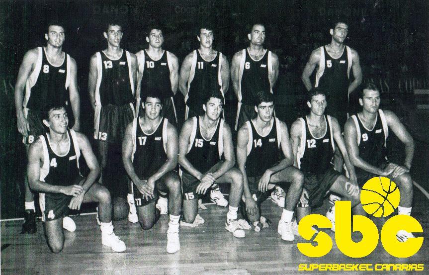 C. B. CANARIAS 1992-93. Alfredo Fabón, de pie primero por la izquierda, luce el número 8.