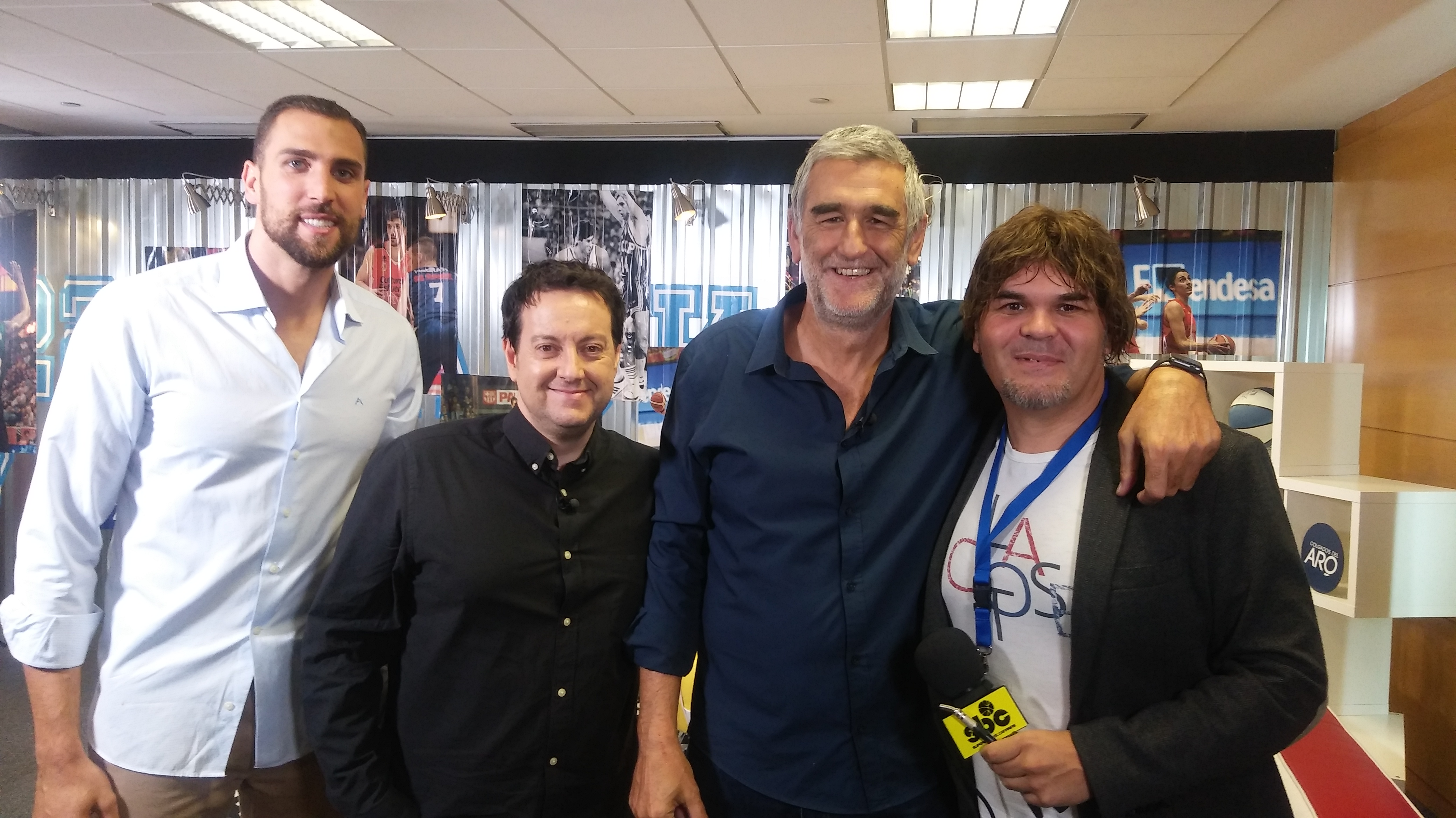 Pablo Aguilar, Antoni Daimiel, Juanma López Iturriaga y José Luis Hernández en el plató de Colgados del Aro