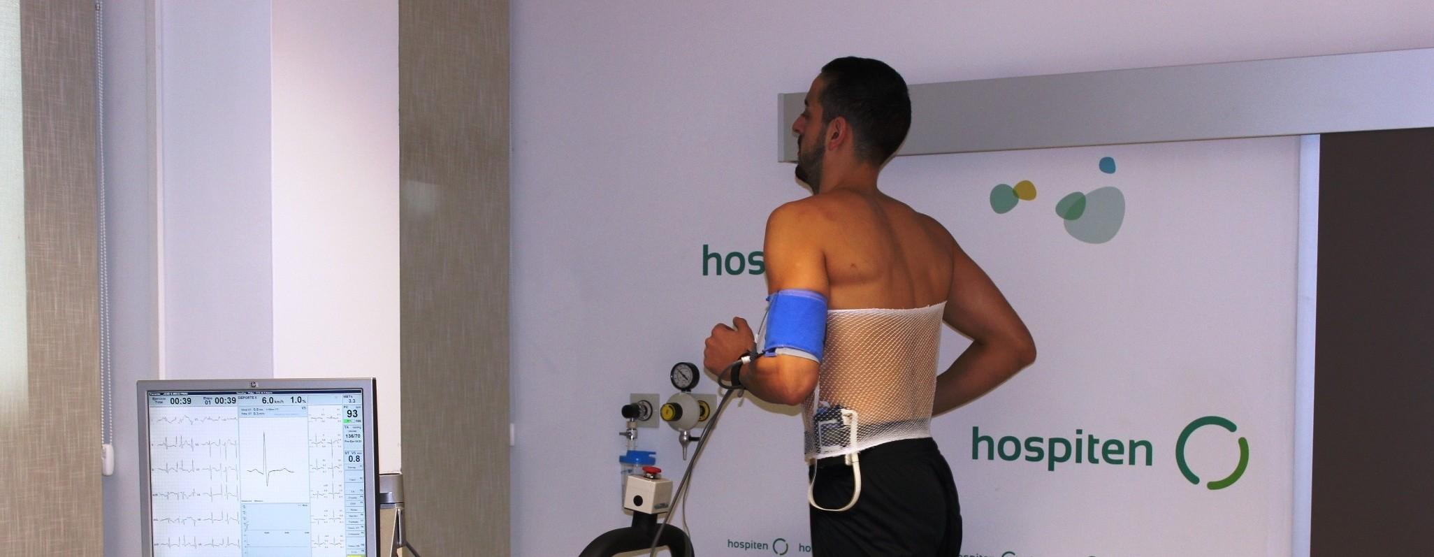 Arco pasando las pruebas en Hospiten